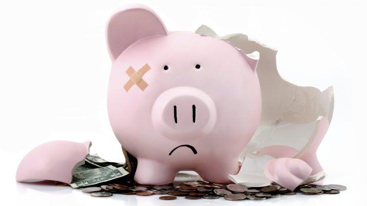 bankruptcy 740x415 - Эксперт: «девальвация рубля случается раз в 7-8 лет, пора привыкнуть»