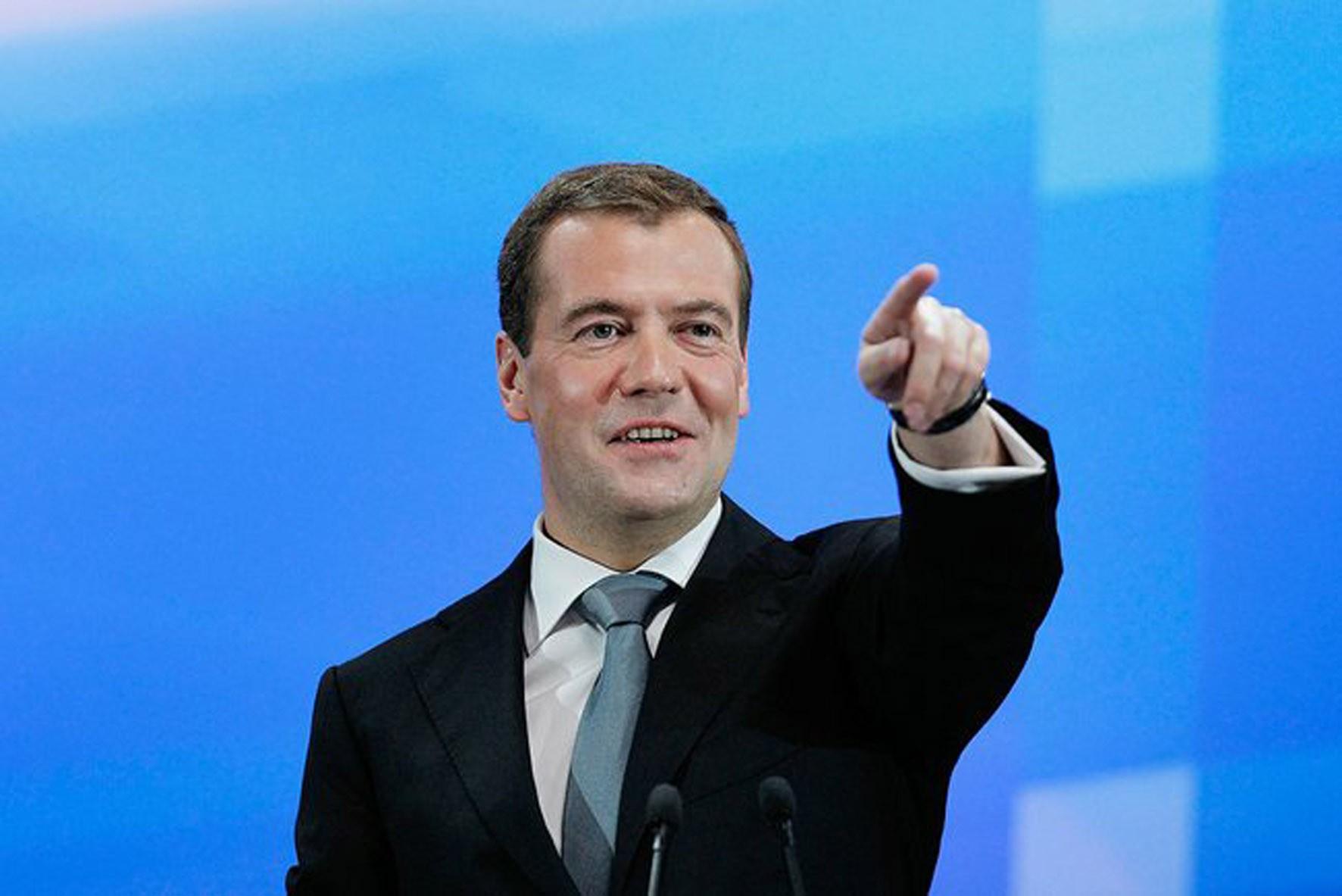 1440070325 medvedev - В Югру летят Медведев, Сечин и еще 200 высокопоставленных лиц