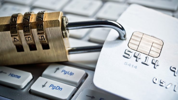 Unknown 740x415 - Блокировать без предупреждения: депутаты хотят дать банкам полную власть над деньгами клиентов