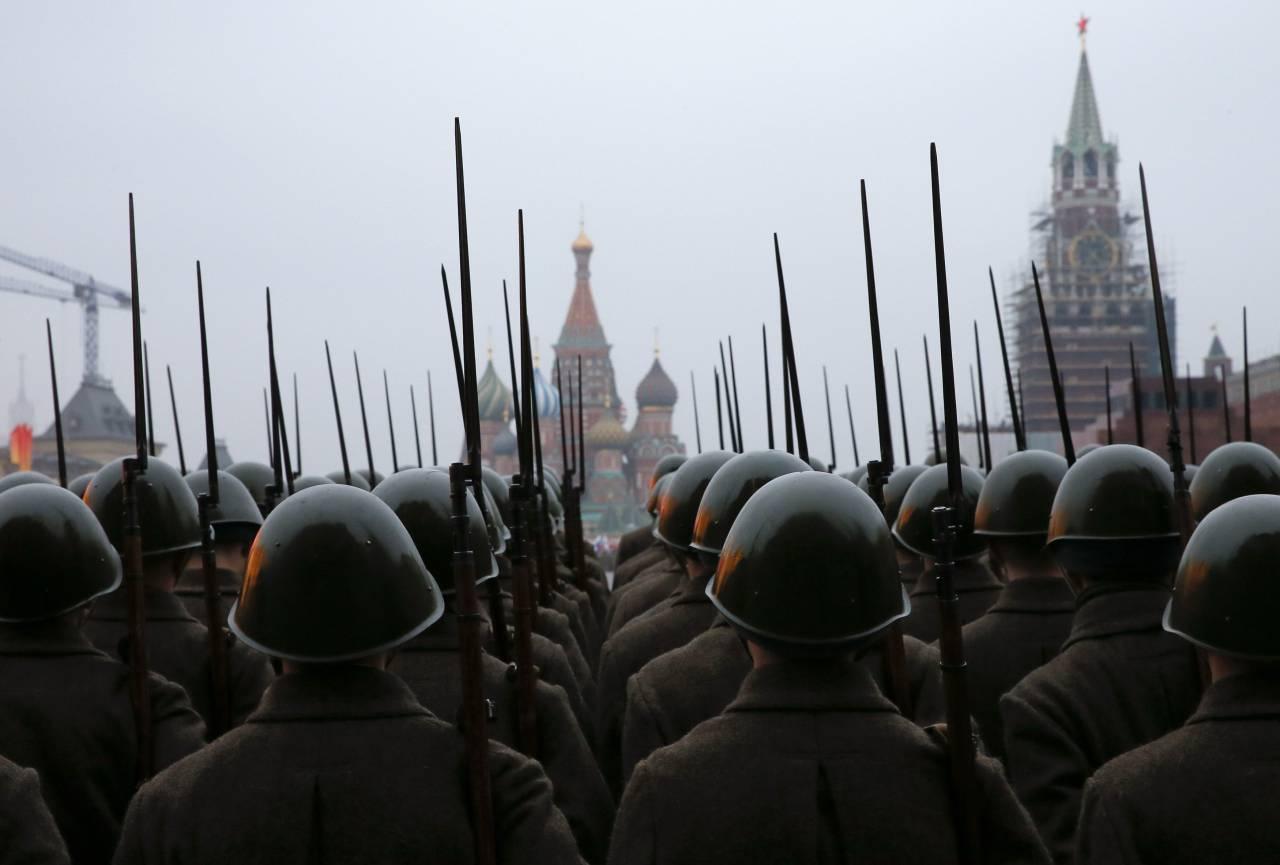 1505099326 2014 11 05t234147z 208999347 gm1eab607gc01 rtrmadp 3 russia military - Америка признала Россию непобедимой страной из-за сурового климата и загадочной русской души