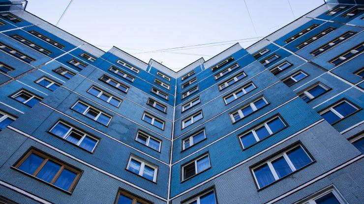 thumb 740x415 - Югра даст Сургуту 800 млн на приобретения более 15 тысяч кв. м жилья