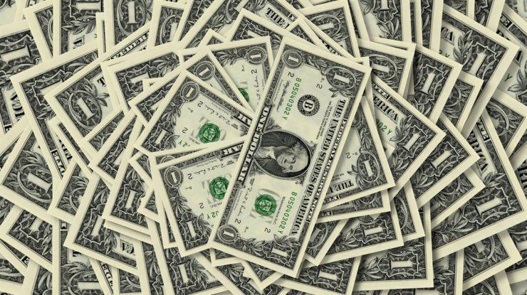 1390579063 1dollar 740x415 - Эксперты: к концу года курс доллара вырастит до 75 рублей