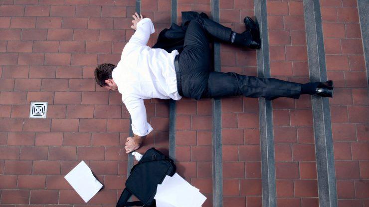 Slip and Fall accident chicago 740x415 - Вон из власти: россияне смогут отзывать депутатов, губернаторов и мэров