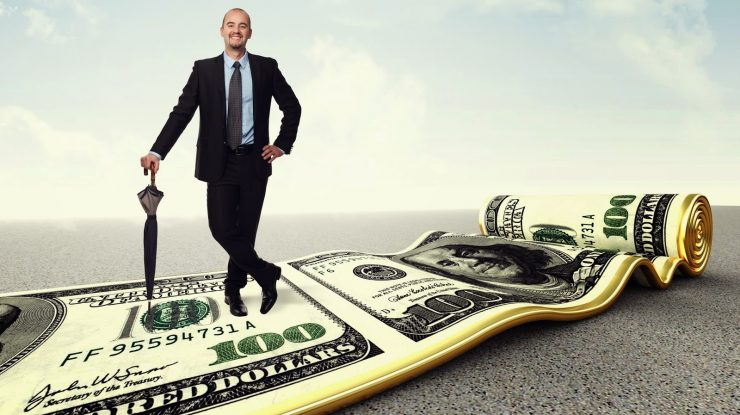 dengi 065 740x415 - Имеющим дается: Российские олигархи в этом году стали богаче на 11%