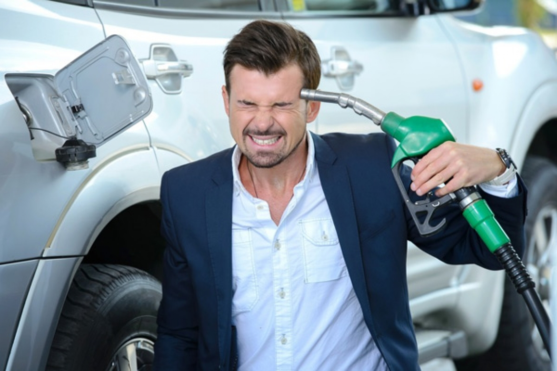 bfef6034dab7e57f223e48f4dcf3e90d Generic - Договорились: нефтяники замораживают цены на бензин